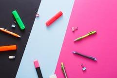 Vue supérieure d'espace de travail créatif, papeterie Image stock