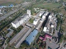 Vue supérieure d'un ascenseur de silo Objet industriel d'Aerophotographing Images stock