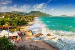Vue supérieure d'une île tropicale de Koh Samui de plage Image libre de droits