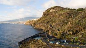 Vue supérieure d'une côte les bâtiments de l'île de Ténérife, Îles Canaries, Espagne image stock