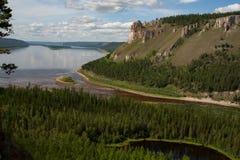Vue supérieure d'une grande rivière image stock