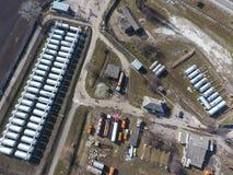 Vue supérieure d'une petite ferme de réservoir Stockage de carburant et des lubrifiants Images libres de droits