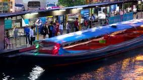 Vue supérieure de bateau exprès à Bangkok, Thaïlande banque de vidéos