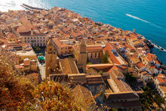 Vue supérieure de Cefalu, Sicile Photos libres de droits
