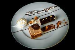 Vue supérieure de chocolat et de dessert crémeux de mousse image libre de droits