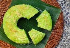 Vue supérieure de désert indonésien traditionnel de gâteau de mousseline de soie de Pandan Photos libres de droits