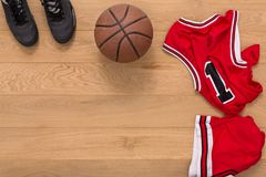 Vue supérieure de fond d'équipement de joueur de basket Images stock
