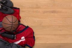 Vue supérieure de fond d'équipement de joueur de basket Photographie stock