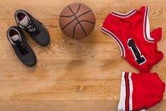 Vue supérieure de fond d'équipement de joueur de basket Photo stock
