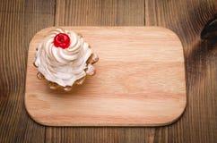 Vue supérieure de gâteau de cerise Photos stock