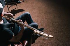 Vue supérieure de guitare basse Fond de musique photos stock