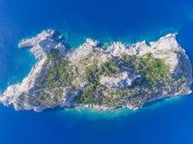 Vue supérieure de l'île montagneuse photographie stock