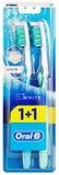 Vue supérieure de l'emballage blanc oral-b du toothbrushe 3D d'isolement sur le blanc Image stock