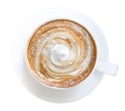 Vue supérieure de la mousse chaude de spirale de cappuccino de latte de café d'isolement sur le fond blanc, chemin images stock