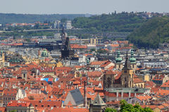 Vue supérieure de la vieille belle ville avec la rivière et les ponts Prague, modifié la tonalité Photo libre de droits