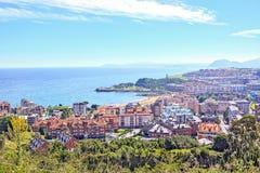 Vue supérieure de la ville et de la mer Castro-Urdiales l'espagne Photos stock