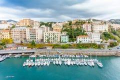 Vue supérieure de marina et de ville, Savone, Italie photo stock