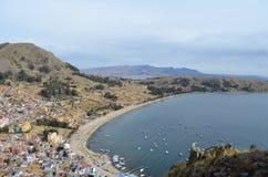 Vue supérieure de montagne du Lac Titicaca, Copacabana photo stock