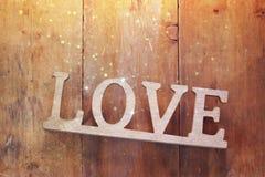 Vue supérieure de mot AMOUR des lettres en bois Photos libres de droits