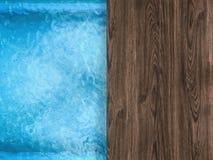 Vue supérieure de piscine avec le plancher en bois Image libre de droits