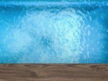 Vue supérieure de piscine avec le plancher en bois Images stock