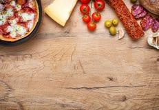 Vue supérieure de pizza Photos stock