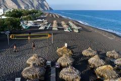 Vue supérieure de plage de Perissa dans Santorini Photographie stock