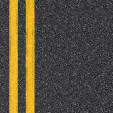 Vue supérieure de route goudronnée avec les lignes jaunes Images stock