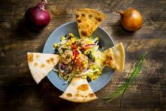 Vue supérieure de salade de thon Images libres de droits