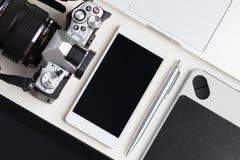 Vue supérieure de table de fonctionnement de concepteur Photographie stock