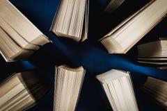 Vue supérieure de vieux livres Image stock