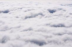 Vue supérieure des cumulus abrégez le fond photographie stock libre de droits