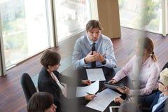 Vue supérieure des gens d'affaires de groupe sur la réunion Image stock