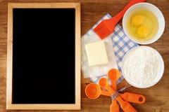 Vue supérieure des ingrédients de cuisson Image libre de droits