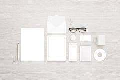 Vue supérieure des objets stationnaires pour stigmatiser, présentation de conception d'identité Photographie stock libre de droits