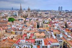 Vue supérieure des vieux toits de Barcelone images libres de droits