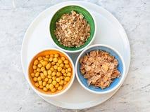 Vue supérieure du genre trois de céréales de petit déjeuner froides photos stock