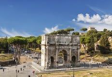 Vue supérieure sur la voûte triomphale de Constantine, Rome Images stock