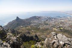 Vue sur Cape Town à partir du dessus de la montagne de table photo libre de droits