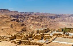 Vue sur des ruines de forteresse de Masada - désert de Judaean, Israël photos libres de droits