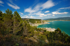 Vue sur Embalse de Yesa Images stock