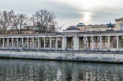 Vue sur l'île de musée à Berlin Photos libres de droits