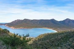 Vue sur la belle plage de baie de verre à vin Photo libre de droits