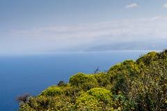 Vue sur la mer d'Agean de la côte de Crète image libre de droits