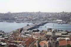 Vue sur la passerelle d'Istanbul et de Galata photographie stock libre de droits