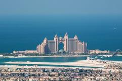 Vue sur la paume artificielle Jumeirah et Atlant d'île Images stock