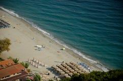 Vue sur la plage à partir du dessus Photographie stock libre de droits