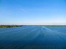 Vue sur la rivière Dnieper image libre de droits