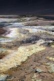 Vue sur la surface jaune et blanche du lac de sel - plateau plat de sel de Maricunga près de San Pedro de Atacama, Chili photographie stock