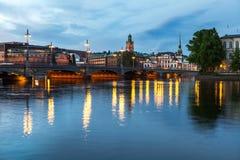 Vue sur la vieux ville et pont Photographie stock